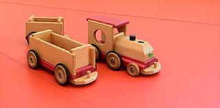 木製のおもちゃなど小さなお子さまが楽しめるキッズスペース